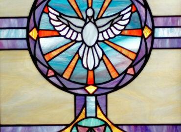 Espiritu Santo. Pentacostes. Vidriera artística tradicional. Ventana. Ermita de Coria realizada por Natalia Benchoam