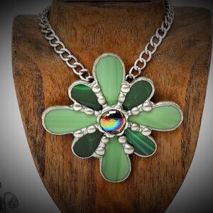 Medallón Medieval. Vidrio Opalino. Tiffany realizada por Natalia Benchoam